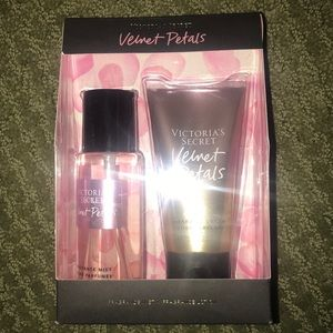Victoria secret fragrance lotion and spray set